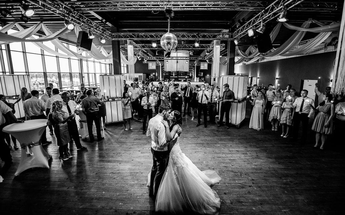 hochzeitsfotograf-recklinghausen_vest-arena_david-hallwas-166