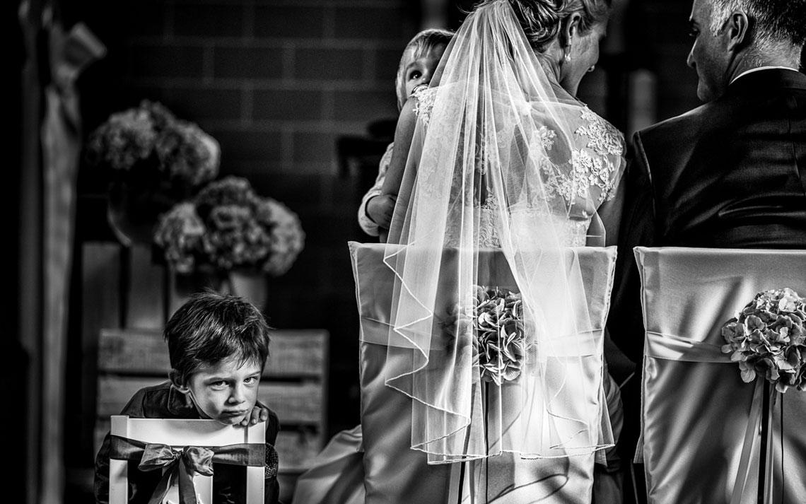 Hochzeit Kind in er Kirche
