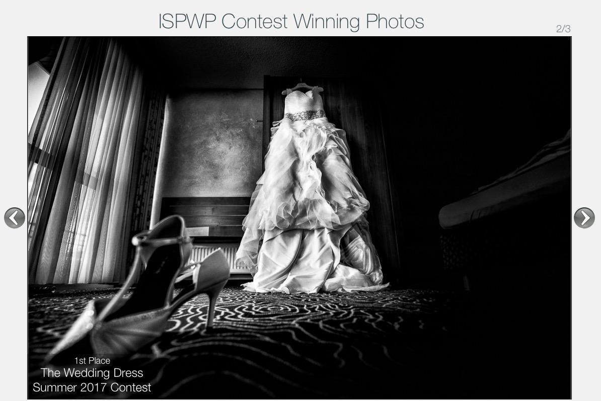 Auszeichung Hochzeitsfotograf Brautkleid