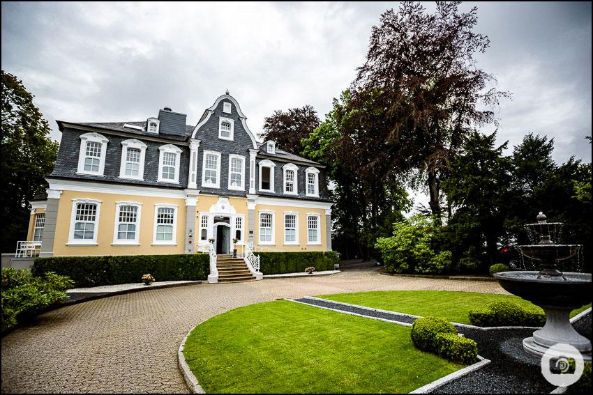 Hochzeit Schloss Lüntenbeck - Hochzeitsfotograf Wuppertal 1