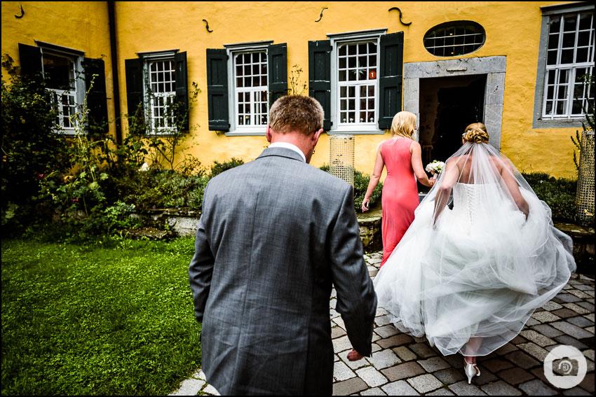 Hochzeit Schloss Lüntenbeck - Hochzeitsfotograf Wuppertal 53
